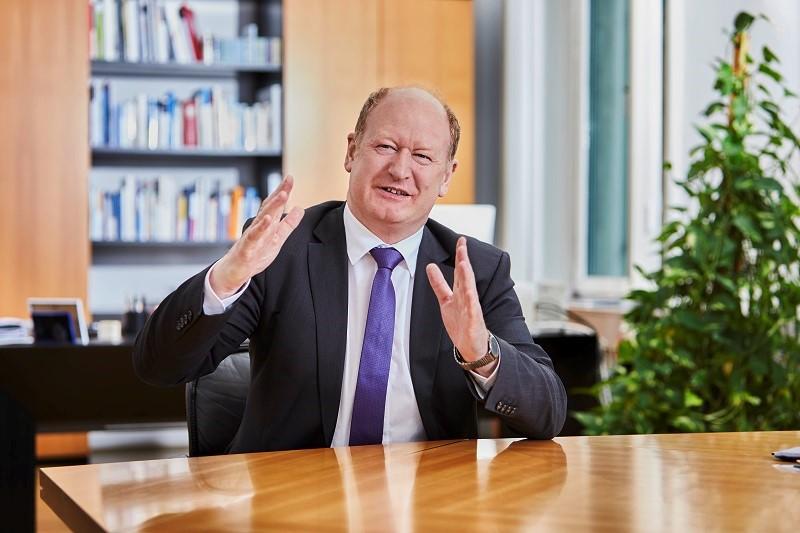 2. Digitales Thekengespräch mit Finanzminister Reinhold Hilbers MdL
